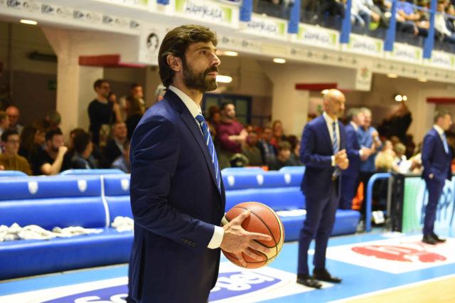 Happy Casa consegna i palloni di basket alla Casa Circondariale di Brindisi