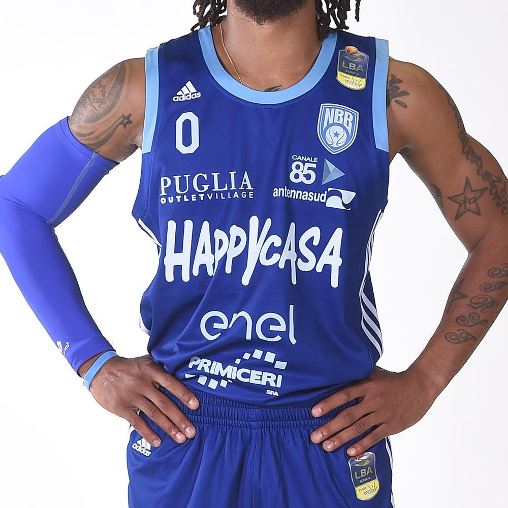 https://www.newbasketbrindisi.it/wp-content/uploads/2019/07/Maglia_B2.png
